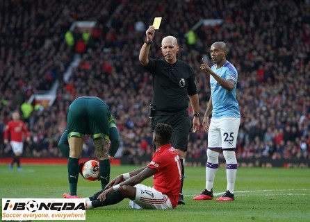 Manchester United vs Manchester City 2h45 ngày 7/1
