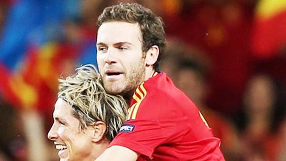 Bóng đá - Torres - Mata: Vĩ đại theo cách... đặc biệt nhất!