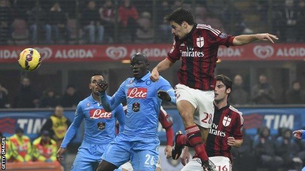Bóng đá - AC Milan vs Napoli 01h45, ngày 05/10
