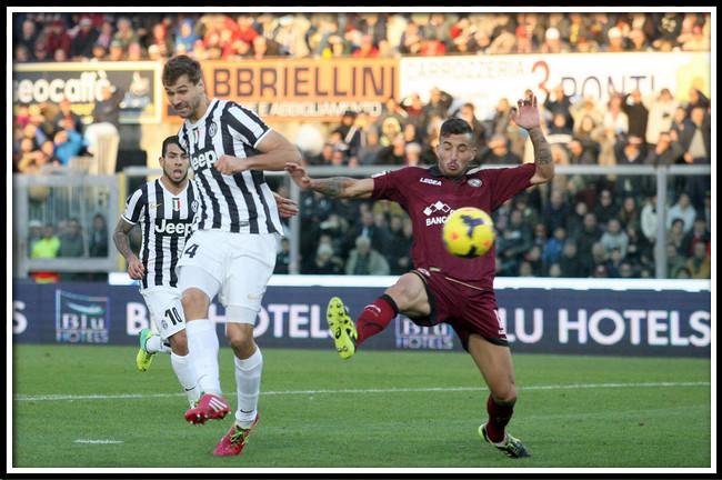 Bóng đá - Phân tích kèo bóng đá Ý vòng 32: Juventus vs Livorno