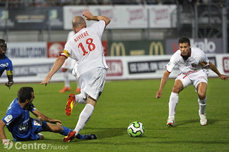 Bóng đá - Angers SCO vs Clermont Foot: 02h00, ngày 12/01