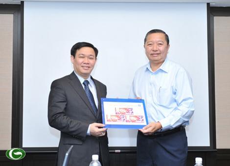 Bóng đá - Bộ trưởng Vương Đình Huệ thăm và làm việc tại Singapore