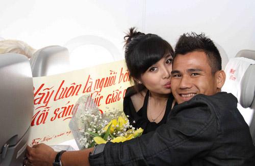 Bóng đá - Nỗi niềm lấy chồng cầu thủ của các nàng WAGs Việt