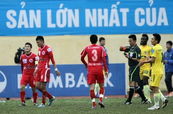 Bóng đá - Hậu quả vụ 'bẻ còi': trọng tài FIFA Võ Minh Trí bị 'trảm'