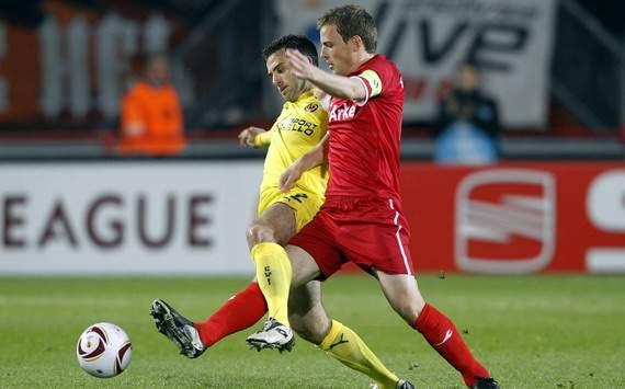 Bóng đá - 02h05 ngày 21/9: FC Twente Enschede - Hannover 96