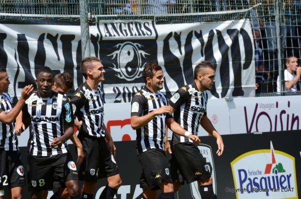 Bóng đá - ES Troyes AC vs Angers SCO: 01h55, ngày 25/09