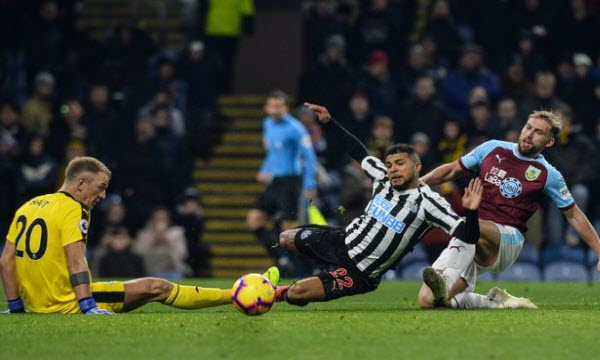 Bóng đá - Newcastle United vs Burnley 03h00 ngày 27/02
