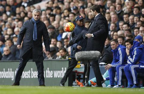 Bóng đá - Chia điểm với Tottenham, Chelsea được nhiều hơn mất
