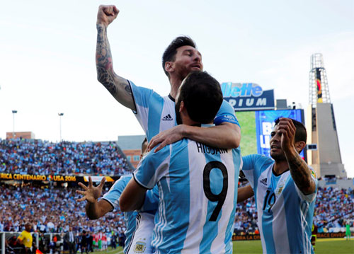 Argentina 4 - 1 Venezuela (Copa America 2016, vòng )