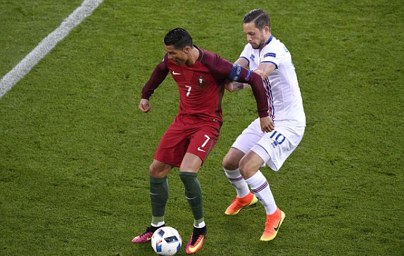 Bồ Đào Nha 1 - 1 Iceland (Euro 2014-2016, vòng bảng)