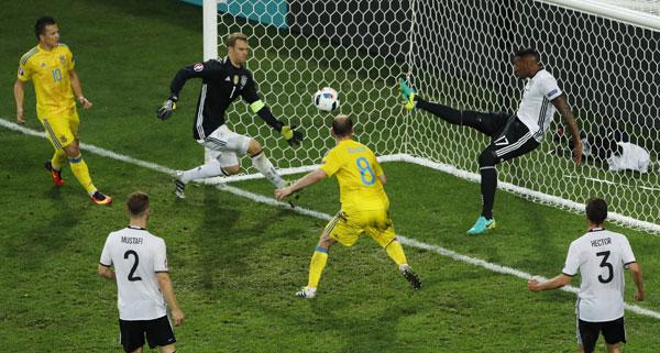 Đức 2 - 0 Ukraine (Euro 2014-2016, vòng bảng)