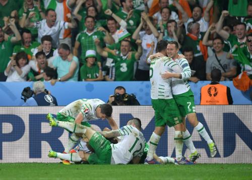 Italy 0 - 1 CH Ireland (Euro 2014-2016, vòng bảng)