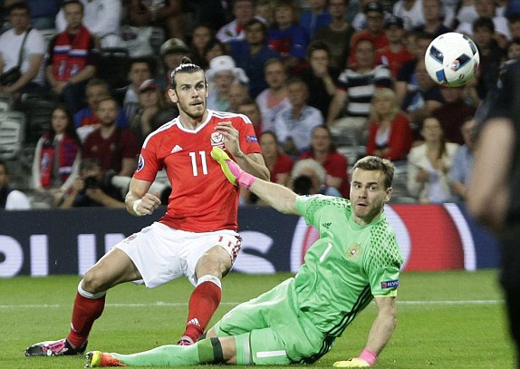 Nga 0 - 3 Xứ Wales (Euro 2014-2016, vòng bảng)