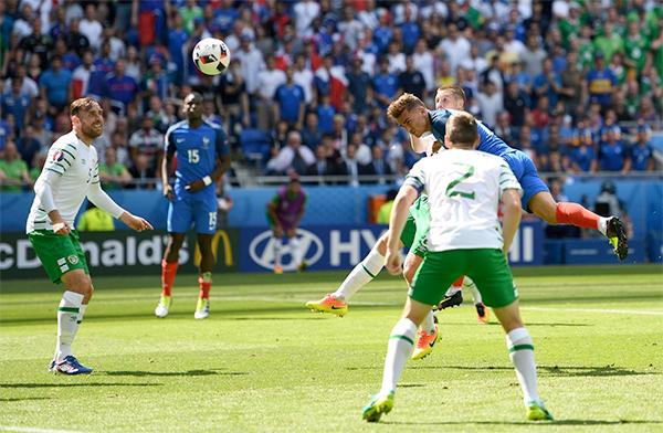 Pháp 2 - 1 CH Ireland (Euro 2016, vòng )